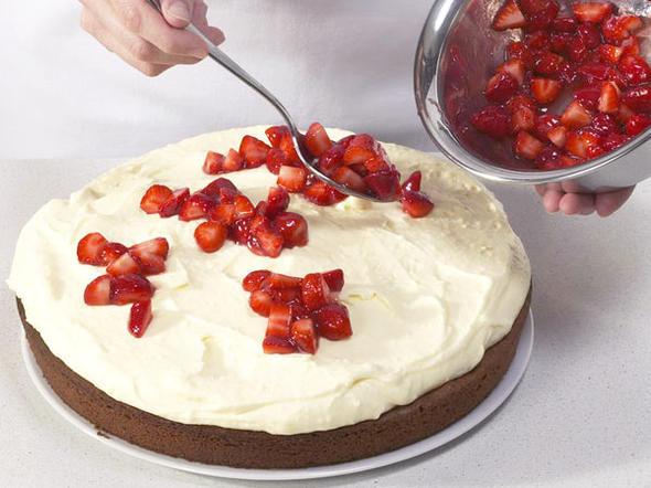 Hermann Kuchen  Hermann Kuchen mit Erdbeeren backen so geht s