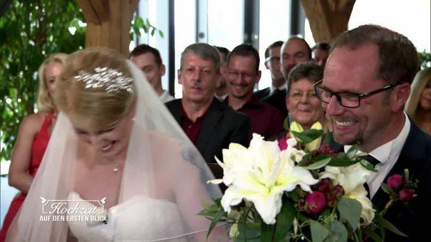 Hochzeit Auf Den Ersten Blick Kathrin Und Ingo  Hochzeit auf den ersten Blick Video Kathrin und Ingo