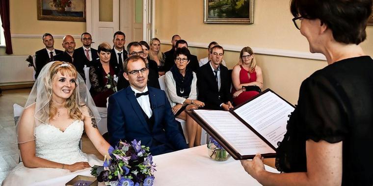 Hochzeit Auf Den Ersten Blick Sandra Und Sebastian  Hochzeit auf den ersten Blick im Zwenkauer Rathaus