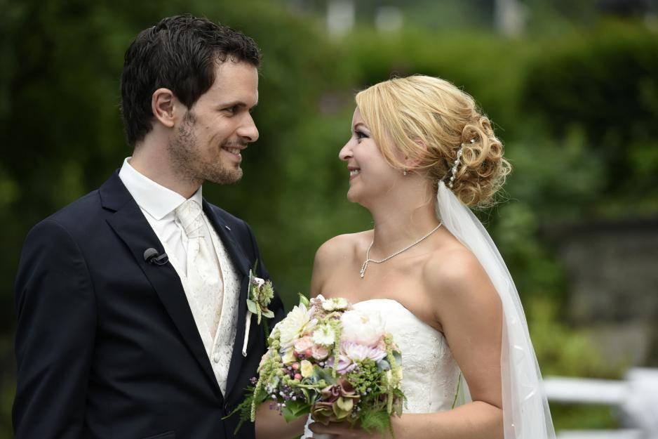 """Hochzeit Auf Den Ersten Blick Sandra Und Sebastian  """"Hochzeit auf den ersten Blick"""" Welche Paare sind noch"""