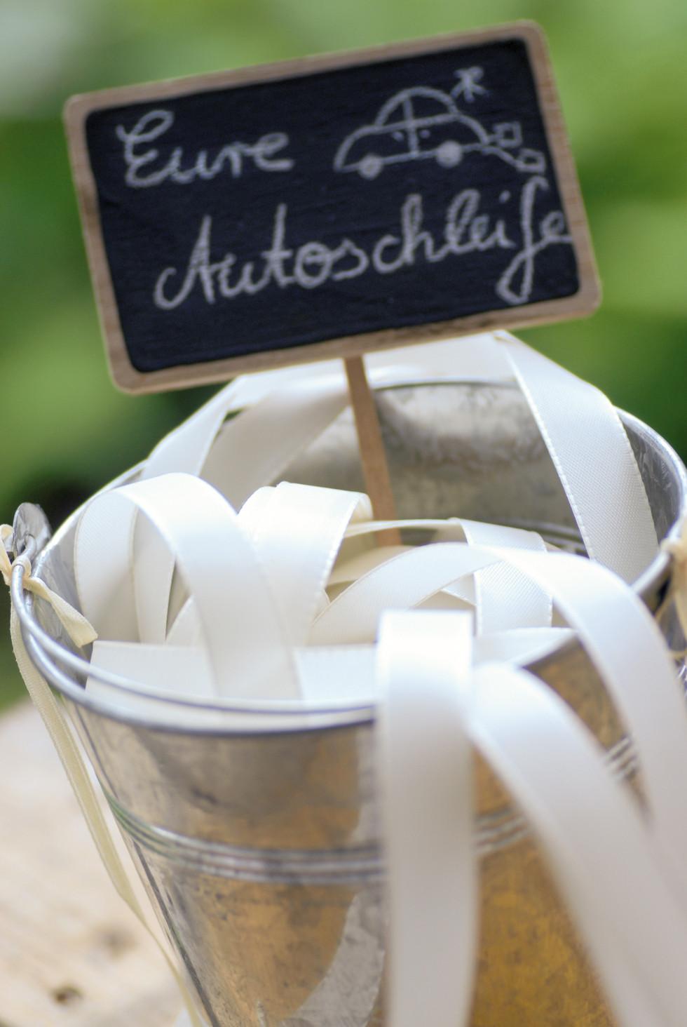 Hochzeit Autoschleifen  Autoschleifen Hochzeit Anleitung zum Selbermachen