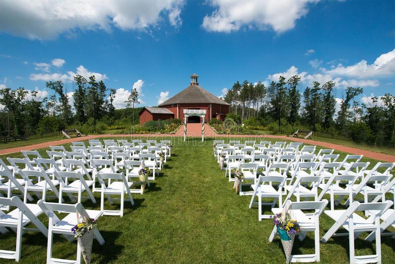 Hochzeit Bauernhof  Scheunen Hochzeit Und Aufnahme Auf Bauernhof Stockbild