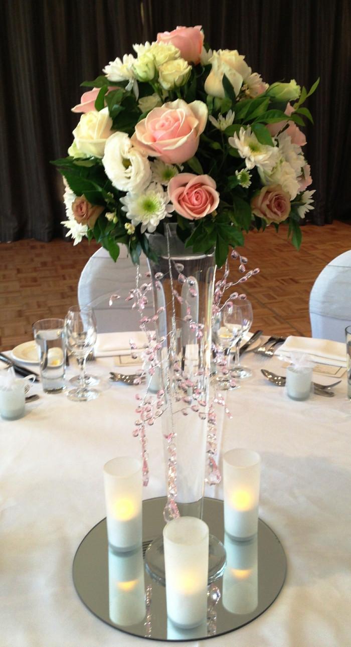 Hochzeit Blumen Tischdeko  Tischdeko 60 Ideen wie Sie mit Blumen den Tisch
