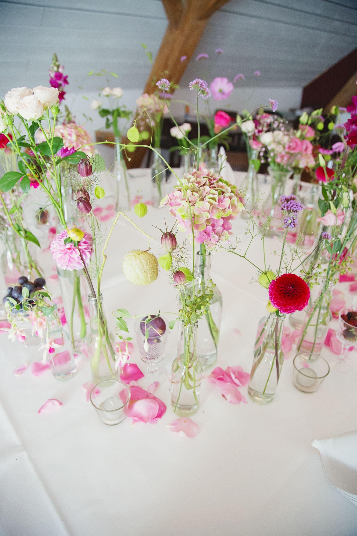 Hochzeit Blumendeko  Pin von Traudi Hofer auf Tischdeko Sommer