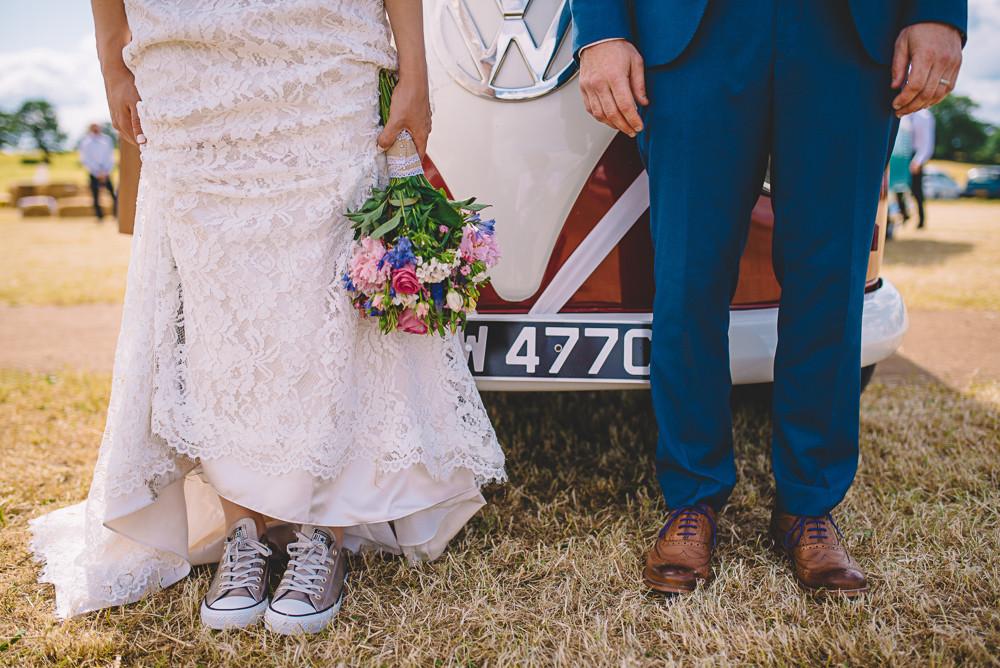 Hochzeit Chucks  Coole Festivalhochzeit im Tipi