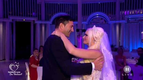 Hochzeit Daniela Und Lucas Wiederholung  Hochzeit von Daniela Katzenberger und Lucas Cordalis rührt