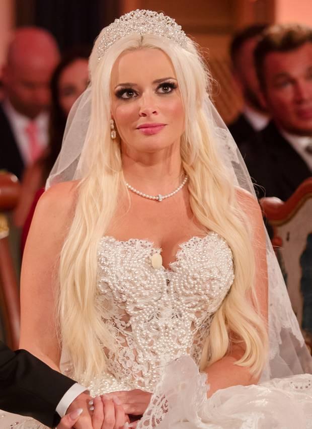 Hochzeit Daniela Und Lucas Wiederholung  Daniela Katzenberger Lucas Cordalis Die Looks der