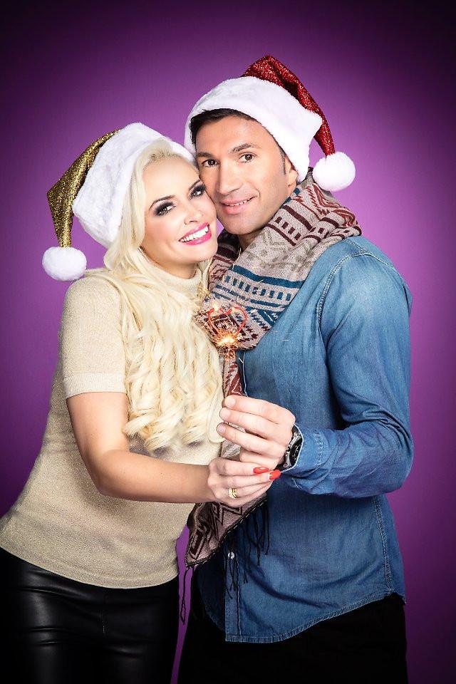 Hochzeit Daniela Und Lucas Wiederholung  Mit Lucas unterm Weihnachtsbaum Die Katze feiert mit uns