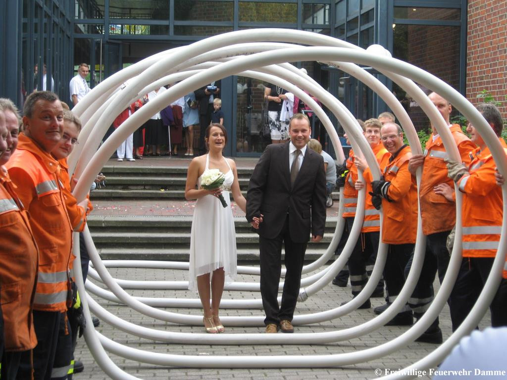 Hochzeit Feuerwehr  Feuerwehr Damme Hochzeit eines Feuerwehrkameraden