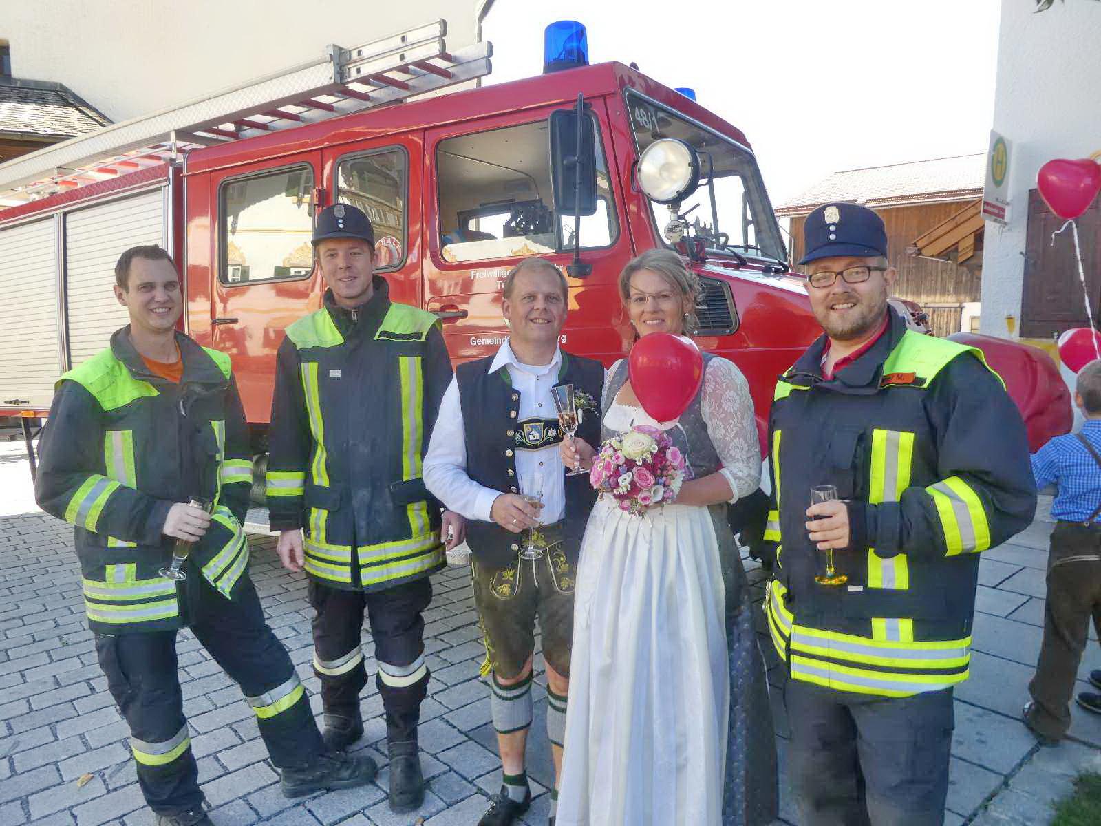 Hochzeit Feuerwehr  Feuerwehr Hochzeit in Törwang