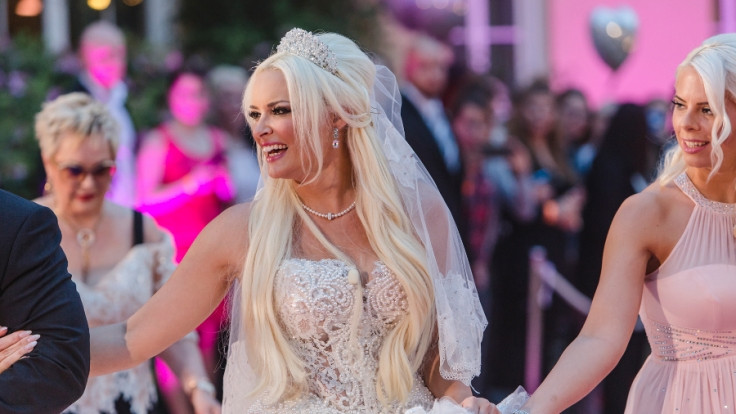 Hochzeit Katzenberger Bilder  Zweites Brautkleid Fressorgien Styling Chaos Diese
