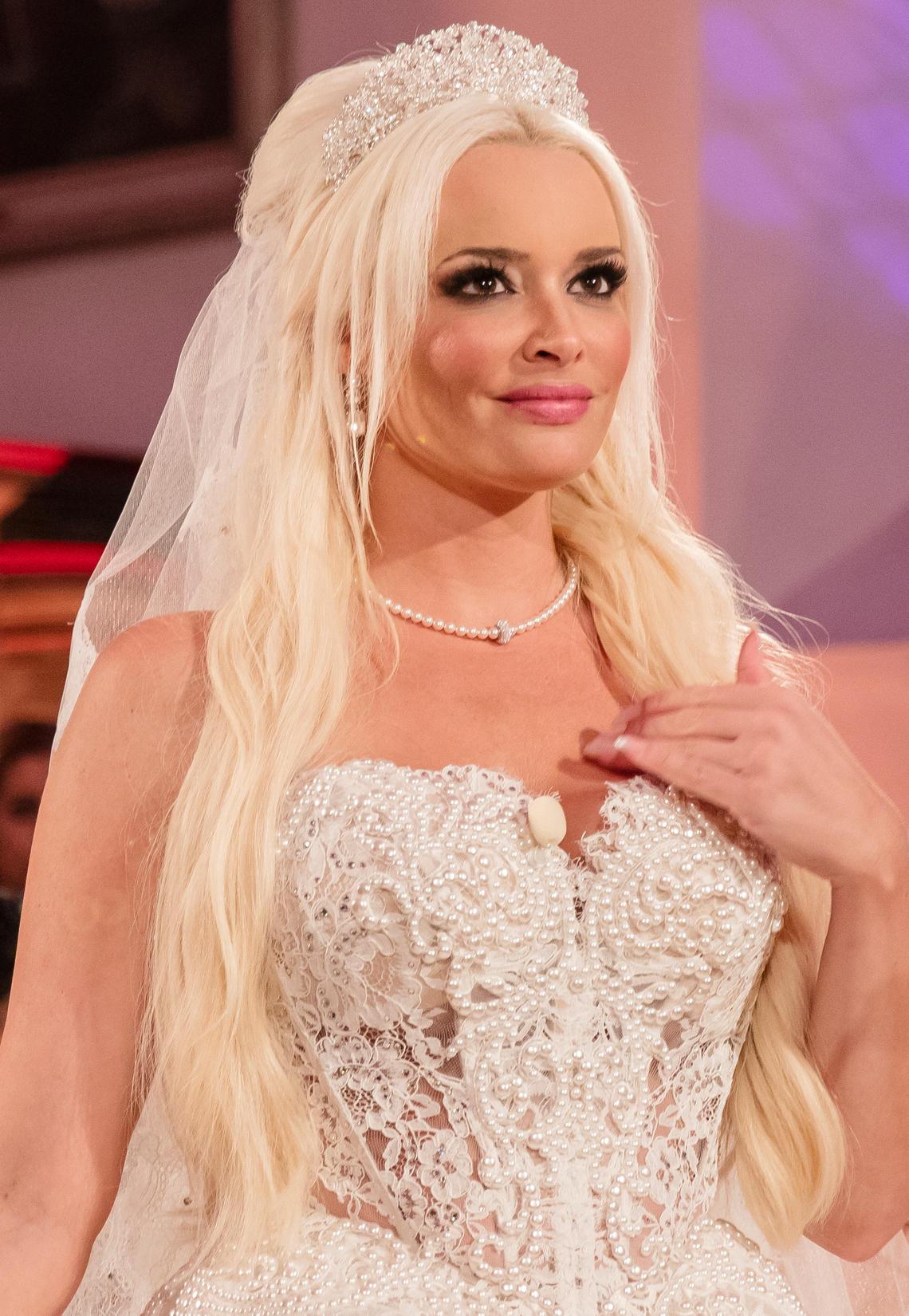 Hochzeit Katzenberger  Daniela Katzenberger Fans kritisieren ihre Brautfrisur