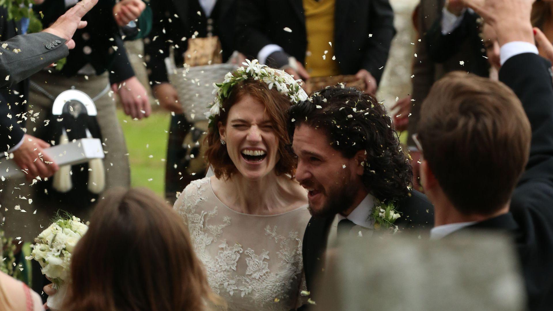 Hochzeit Kit Harington  Hochzeits Eindringling GoT Fan filmte Kit Harington