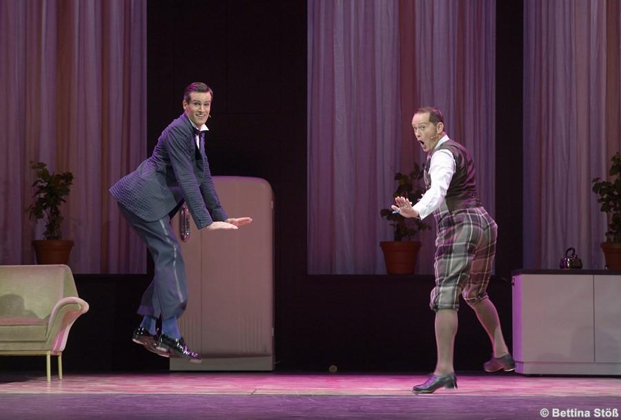 Hochzeit Mit Hindernissen  Hochzeit mit Hindernissen – Premiere in Bielefeld
