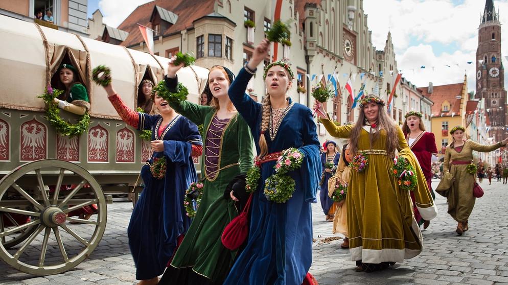 Hochzeit Mittelalter  Lagerleben wie im Mittelalter Die Landshuter Hochzeit