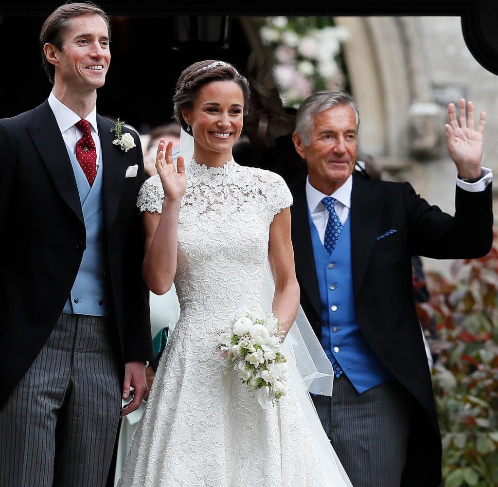 Hochzeit Von Pippa  Pippa Middleton Ihr Hochzeitskleid von Giles Deacon in