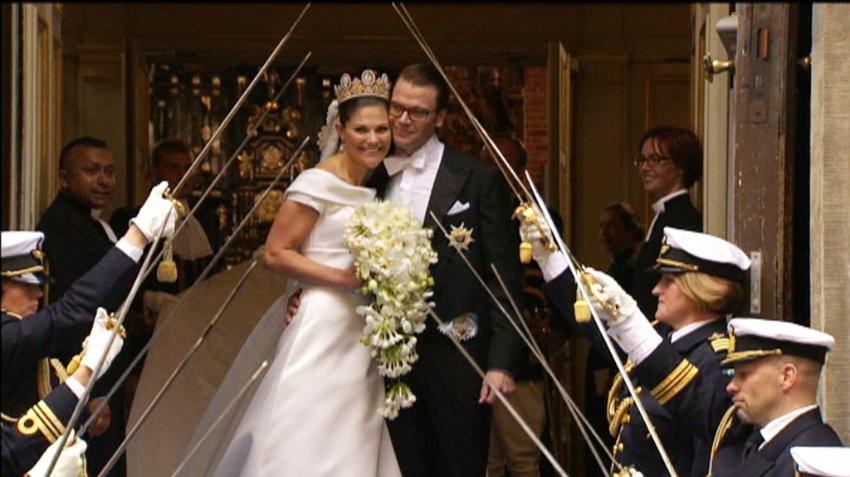 Hochzeit Von Schweden  Tränenreiche Hochzeit Victoria und Daniel von Schweden