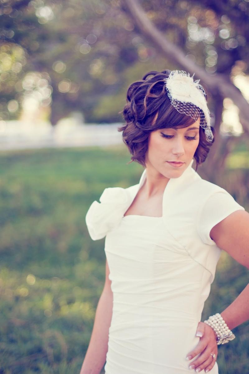 Hochzeitsfrisuren Kurze Haare  Brautfrisuren offen halboffen oder hochgesteckt 100