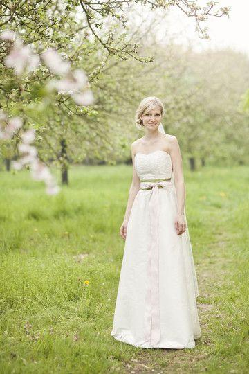 Hochzeitskleid Grün  hochzeitskleid mit weitem rock mit raffung breitem gürtel