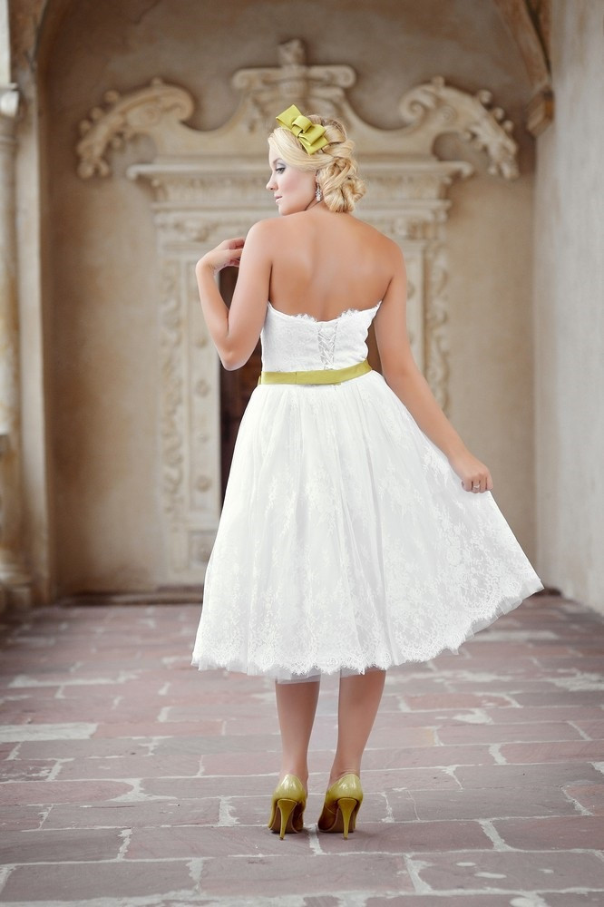 Hochzeitskleid Grün  Brautkleid weiß grün Kleiderfreuden