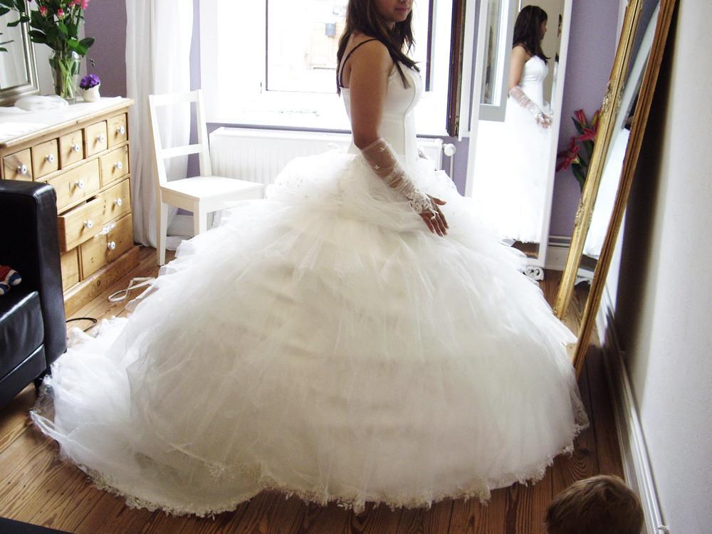 Hochzeitskleid Prinzessin Glitzer  Prinzessin Hochzeitskleid aus Glitzertüll – Cindy & Ella