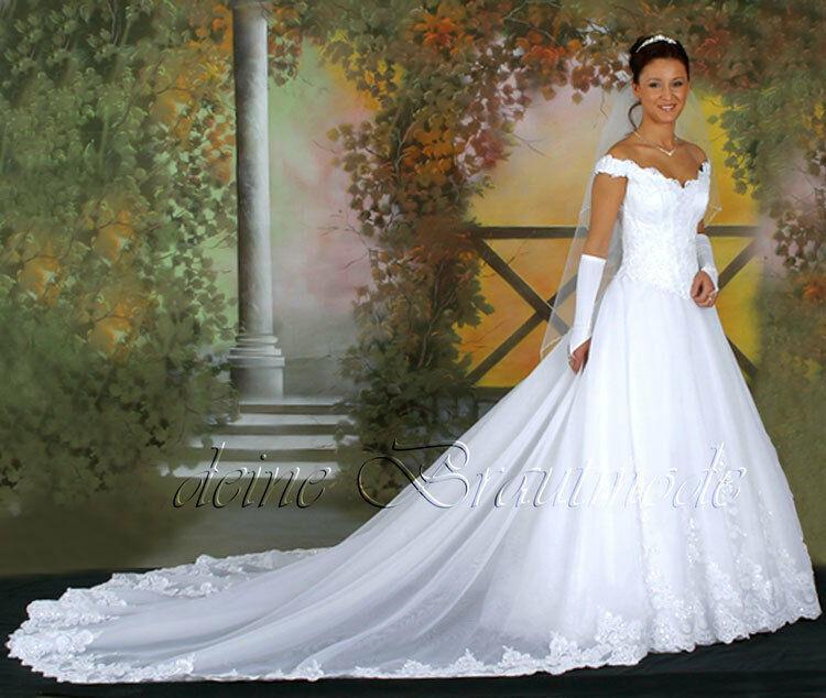 Hochzeitskleid Stuttgart  Luxuriöses Brautkleid Hochzeitskleid Kleid lange Schleppe
