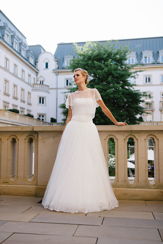 Hochzeitskleid Tüll  Brautkleid Tüll mit Corsage in nostalgischer Lochspitze