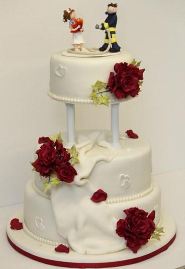 Hochzeitstorte Bestellen  Figuren Torte Hochzeitstorte bestellen gofeminin