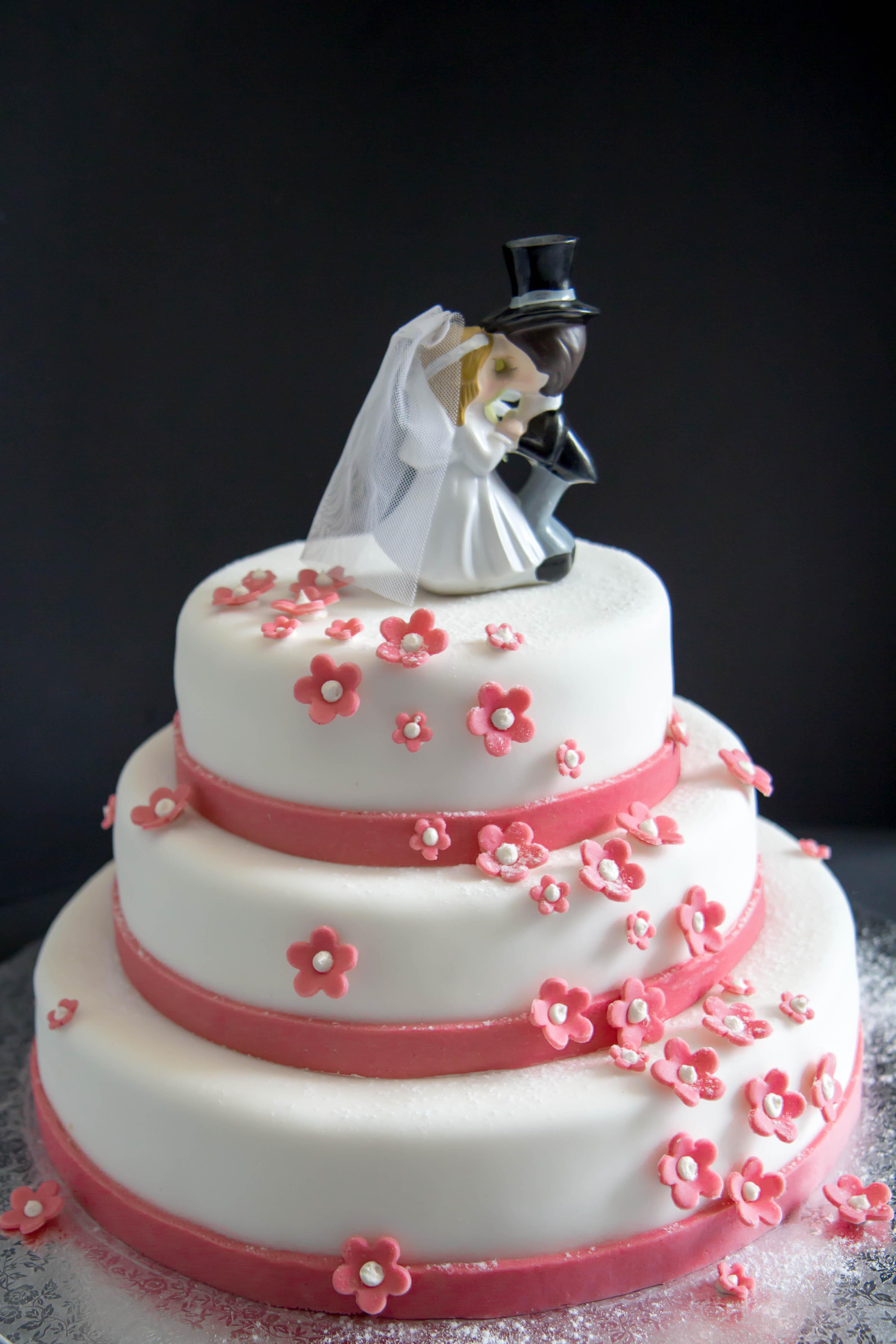 Hochzeitstorte Brautpaar  Hochzeitstorten