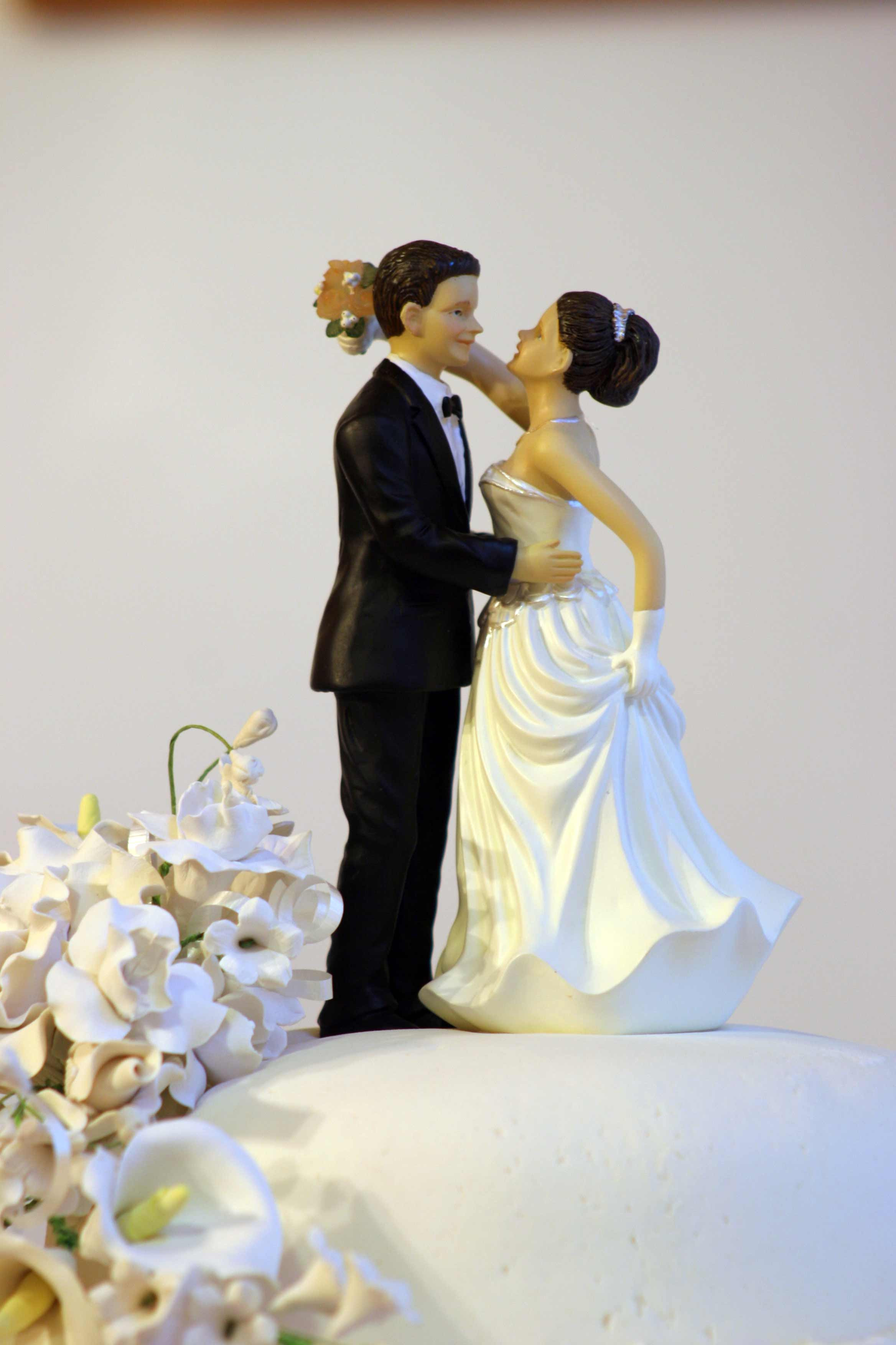 Hochzeitstorte Brautpaar  Hochzeitstorte Brautpaar Marzipan Bildergalerie