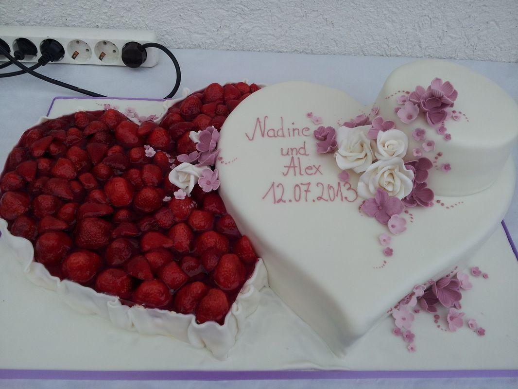 Hochzeitstorte Herz  Die besten 25 Hochzeitstorte doppelherz Ideen auf