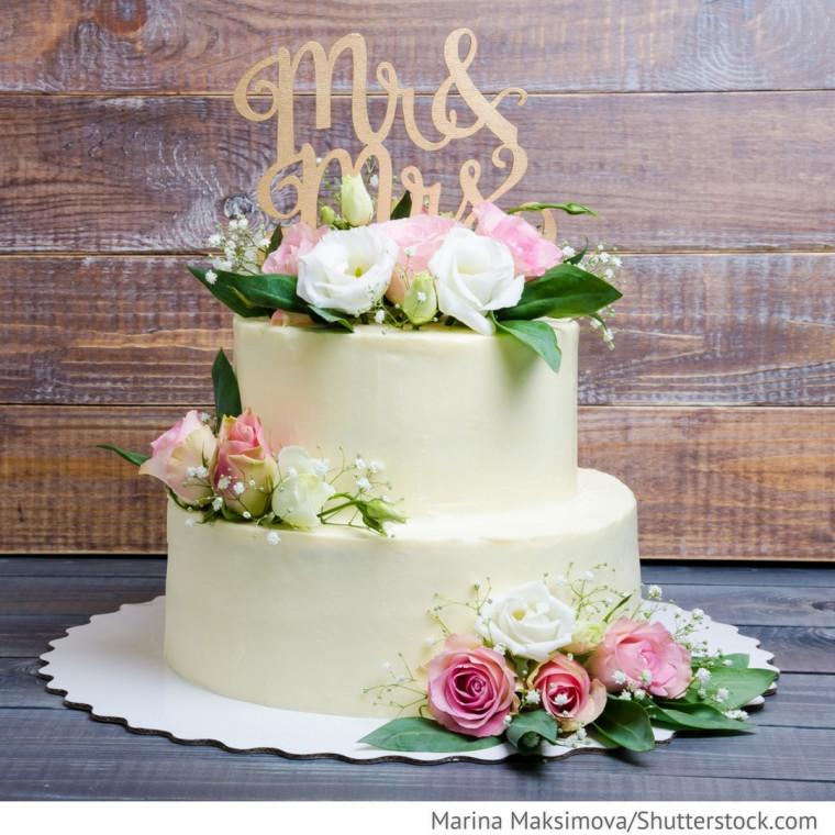 Hochzeitstorte Mit Rosen  Käsekuchen Hochzeitstorte mit Rosen Hochzeitsideen für