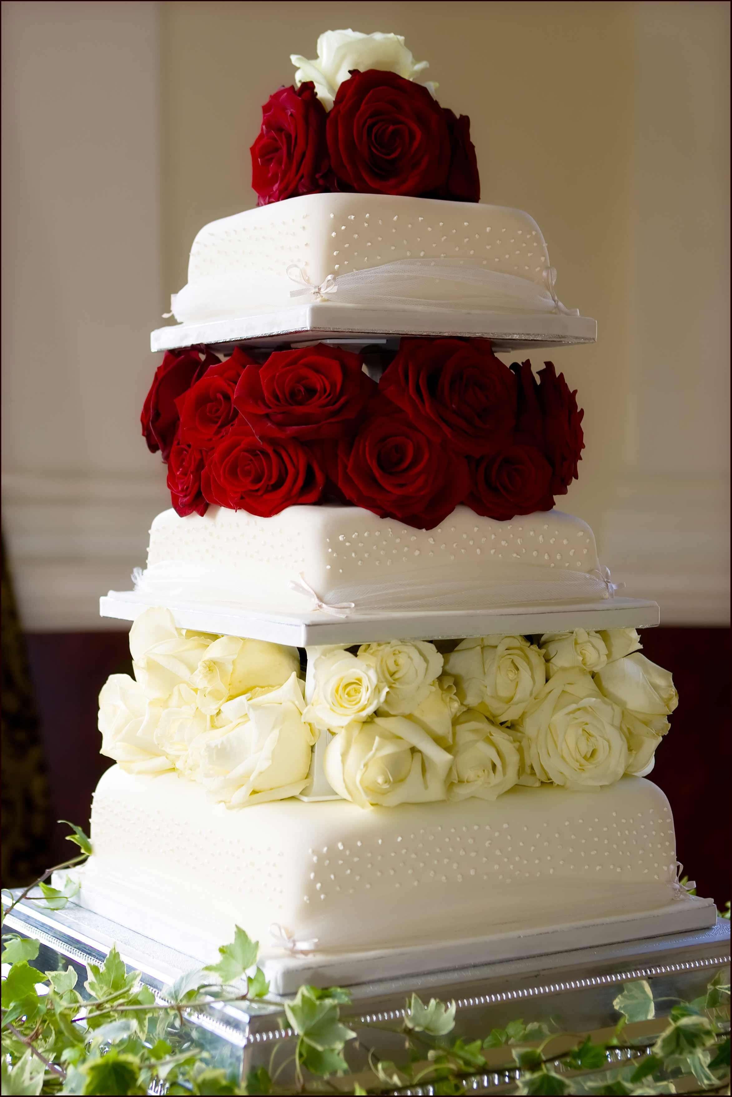 Hochzeitstorte Mit Rosen  Hochzeitstorte mit Rosen Bildergalerie Hochzeitsportal24