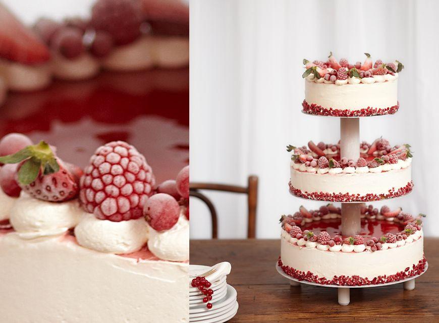 Hochzeitstorte Rot Weiß  Eistorte in rot weiß Our dream wedding