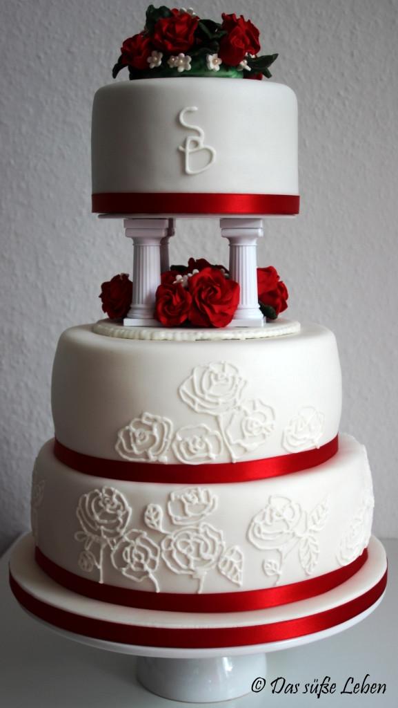Hochzeitstorte Rot Weiß  Rezept Hochzeitstorte in rot und weiß