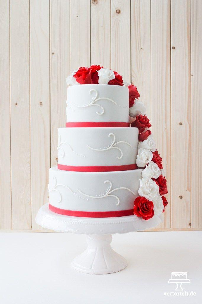 Hochzeitstorte Rot Weiß  Hochzeitstorte mit Zuckerrosen aus Blütenpaste