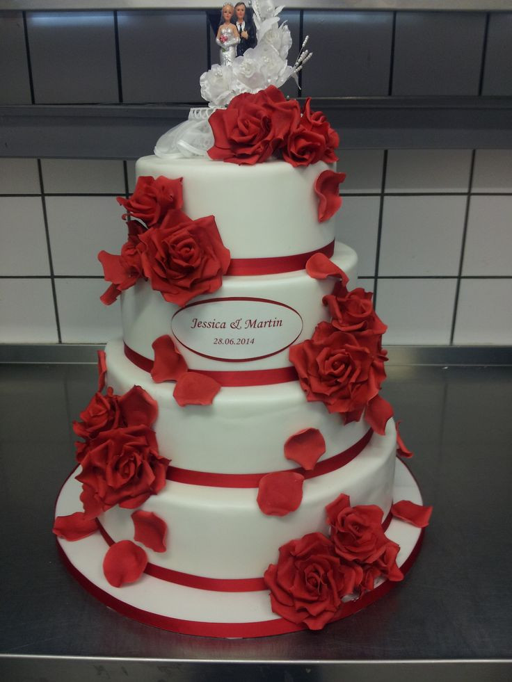 Hochzeitstorte Rot Weiß  Die besten 25 Rote rosen hochzeit Ideen auf Pinterest
