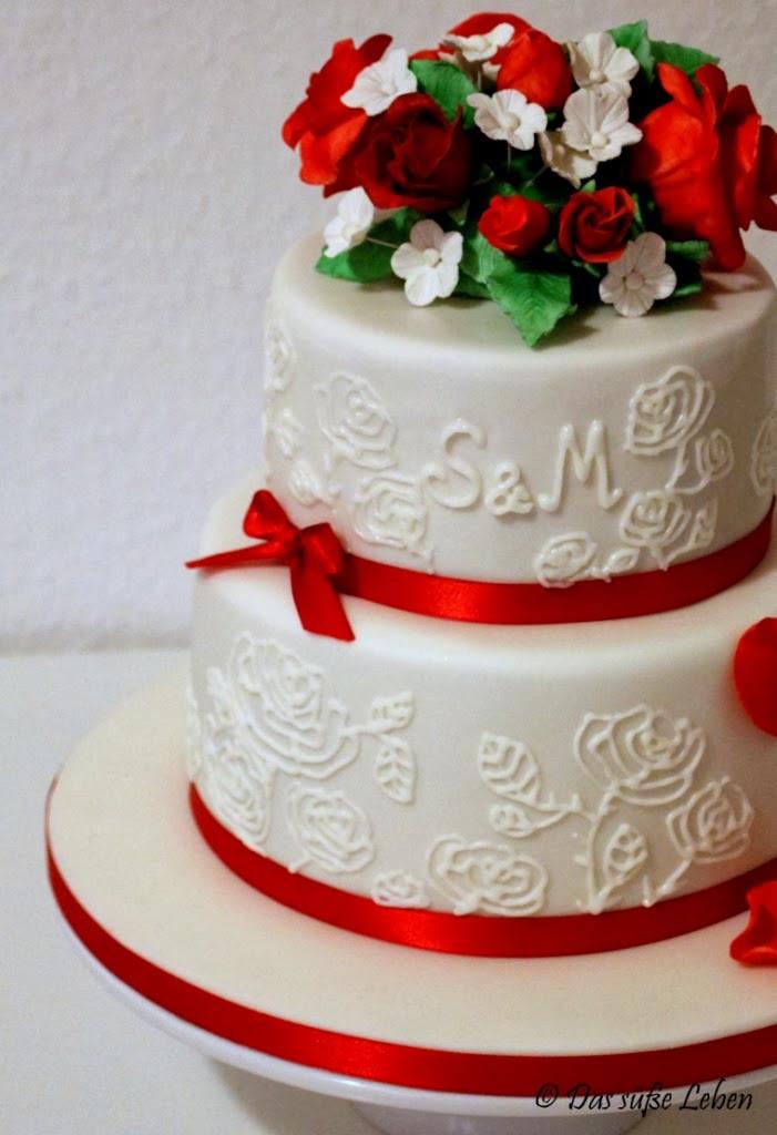 Hochzeitstorte Rot Weiß  Rezept Kleine Hochzeitstorte in rot weiß
