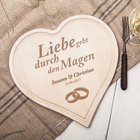 Holzherz Hochzeit  Herz aus Holz zur Hochzeit Herzbrett personalisiert