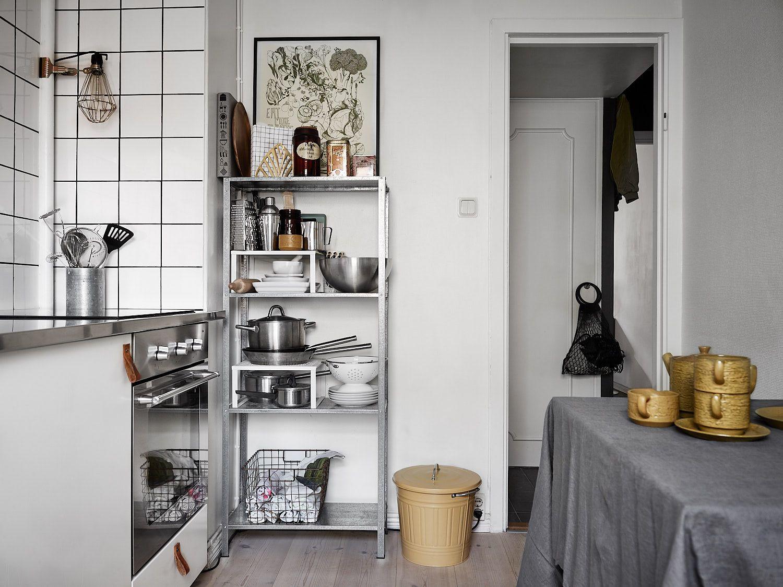 Ikea Küchenregal  Cd Hylle Ikea Ikea hack wie aus deiner tarva kommode ein