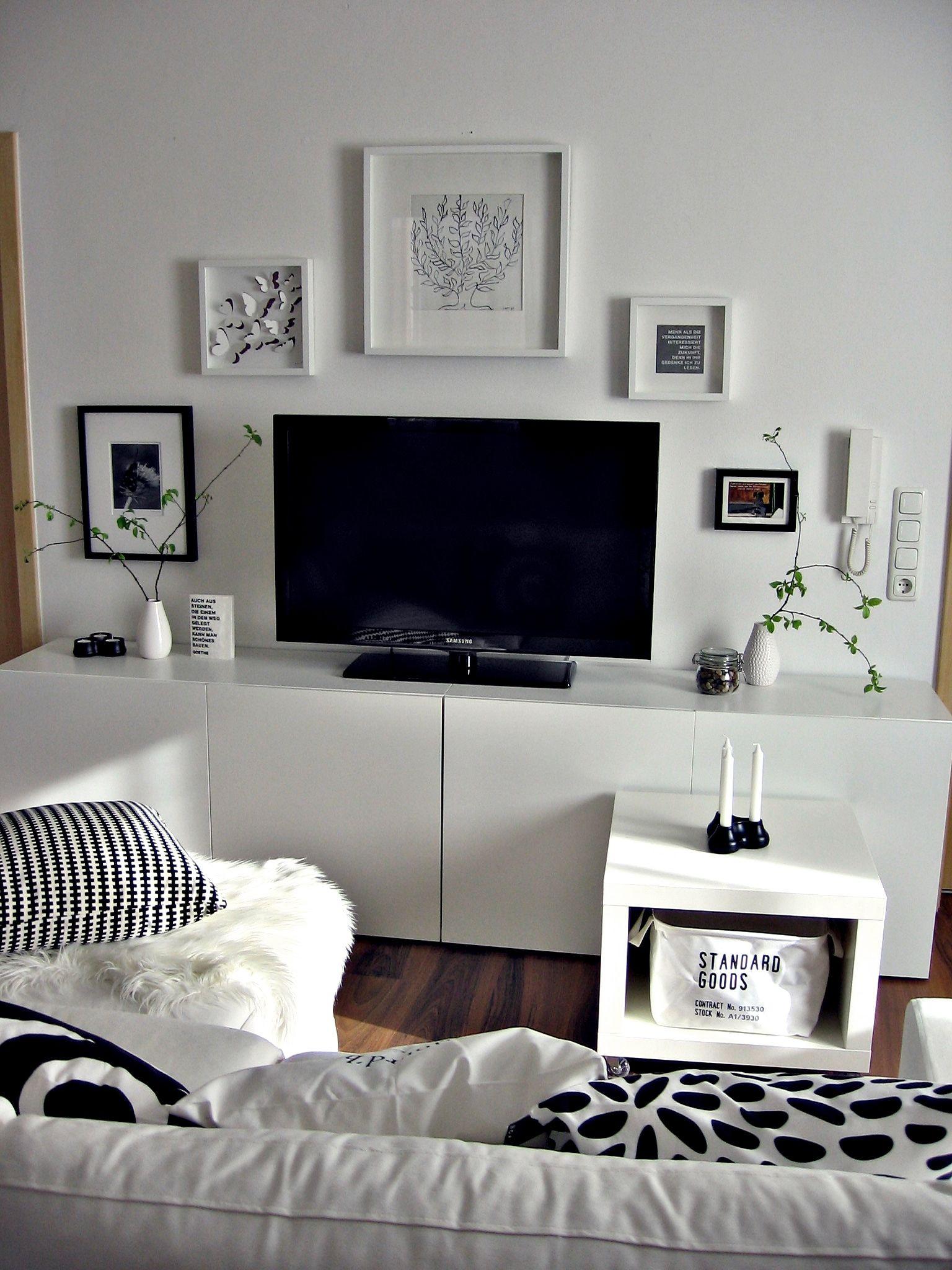 Ikea Wohnzimmer  Wohnwand TV Wand Besta ikea schwarz weiß Bilderwand