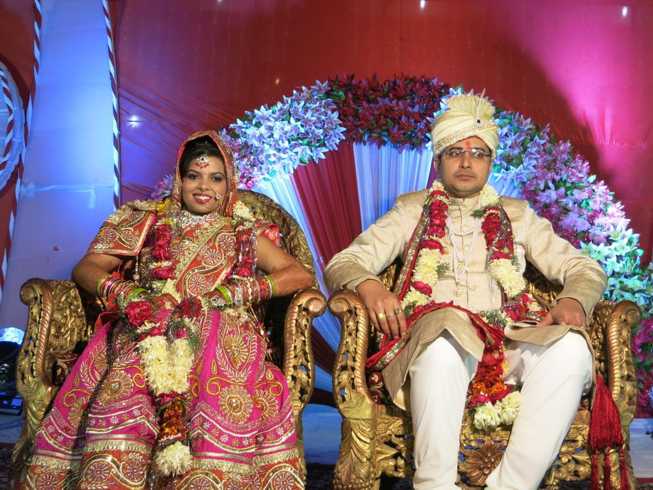 Indische Hochzeit Kleidung  Opfern schmausen feiern eine indische Hochzeit
