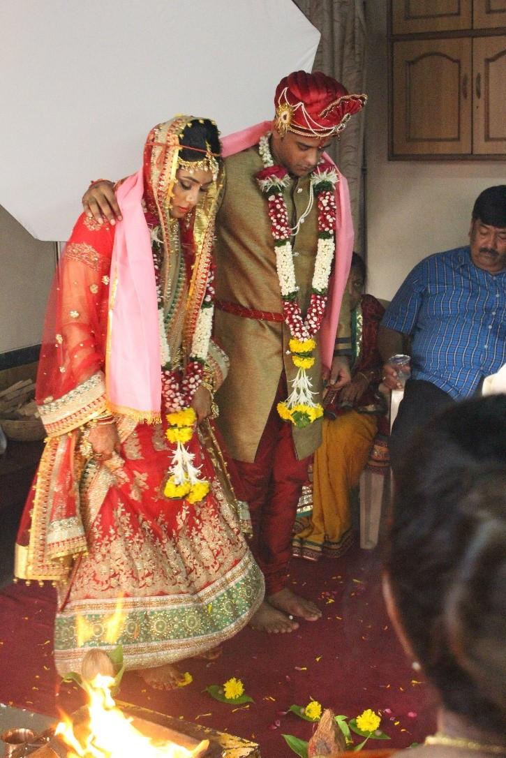 Indische Hochzeit Kleidung  Indische Hochzeit Ablauf Bräuche und das Kleid