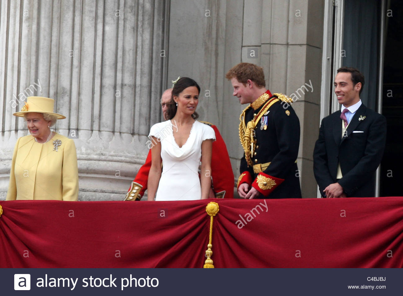 Kate Middleton Hochzeit Harry  PIPPA MIDDLETON AND PRINCE HARRY AT THE ROYAL WEDDING OF
