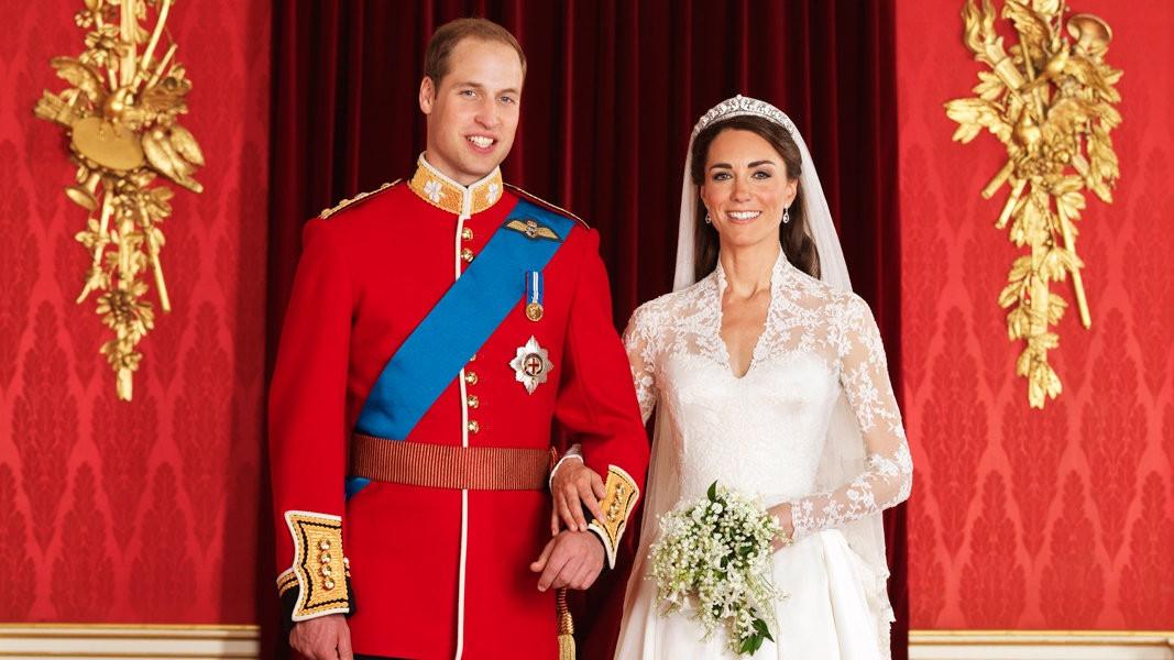 Kate Und William Hochzeit  Kates Brautkleid als Besucher Magnet