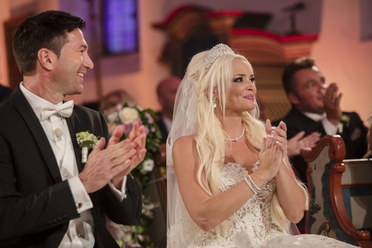 Katzenberger Hochzeit Bilder  Daniela Katzenberger und Lucas Cordalis Bilder der Hochzeit