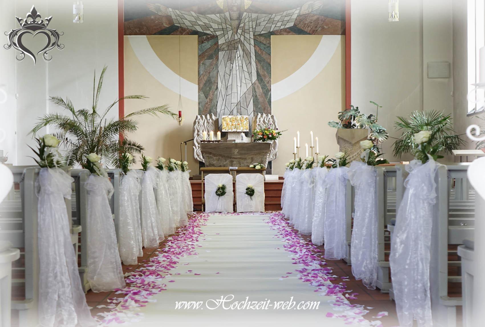 Kirchendeko Hochzeit  Kirchendekoration und Dekoration für Trauung im Freien