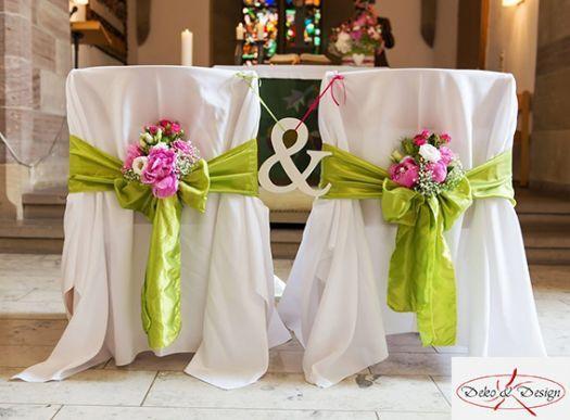 Kirchendeko Hochzeit  Tollll für Stühle in der Kirche Kein grünes Band