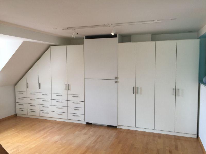 Kleiderschrank Dachschräge  Möbel nach Maß Kleiderschrank Dachschräge Zürich