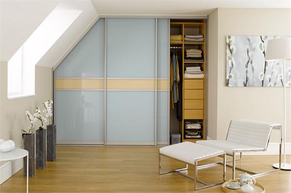 Kleiderschrank Dachschräge  Begehbarer Kleiderschrank Dachschräge Tolle Tipps zum